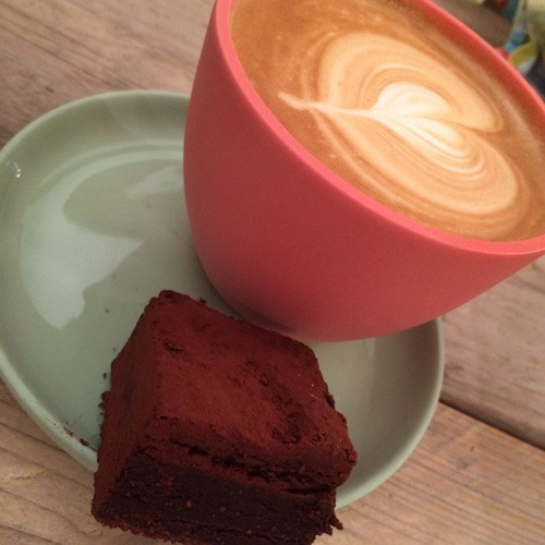 koffie op locatie, baristabar, mobiele espresso, mobiele koffiebar, the Graphic barista, baristawerkzaamheden, Koffiekopje, Communication with a cappuccino, Gorinchem